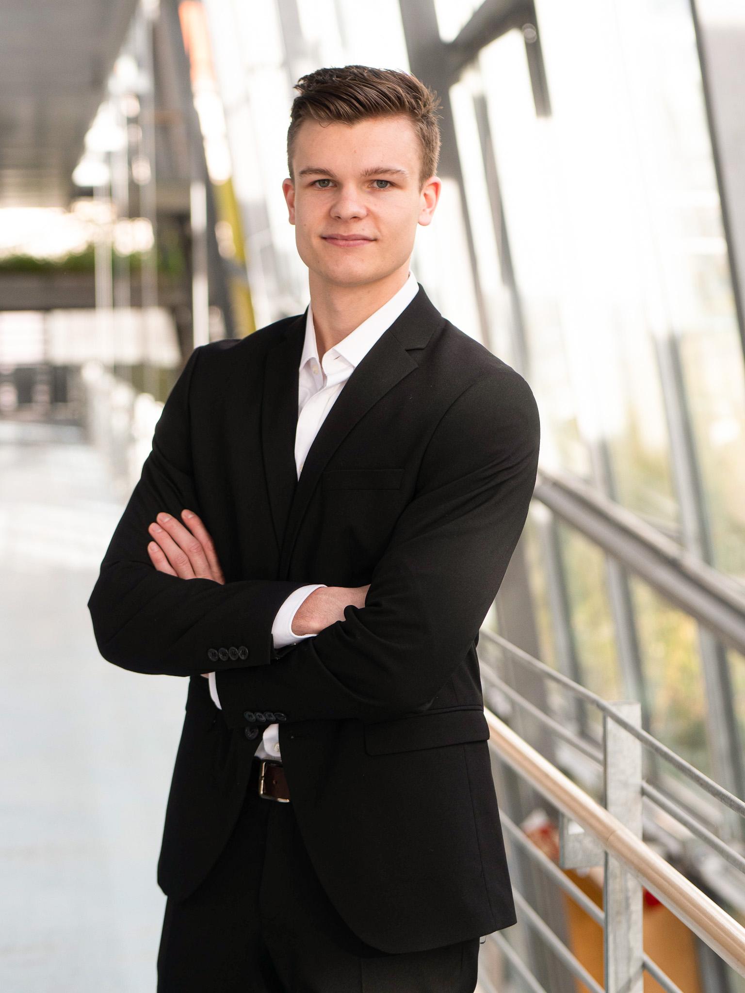 Jannik Viktor Helfer
